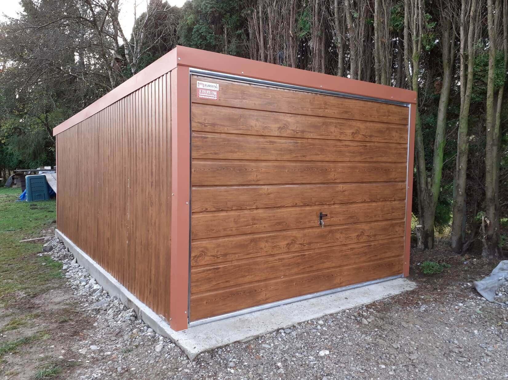 Plechová garáž 3×5 so spádom strechy dozadu