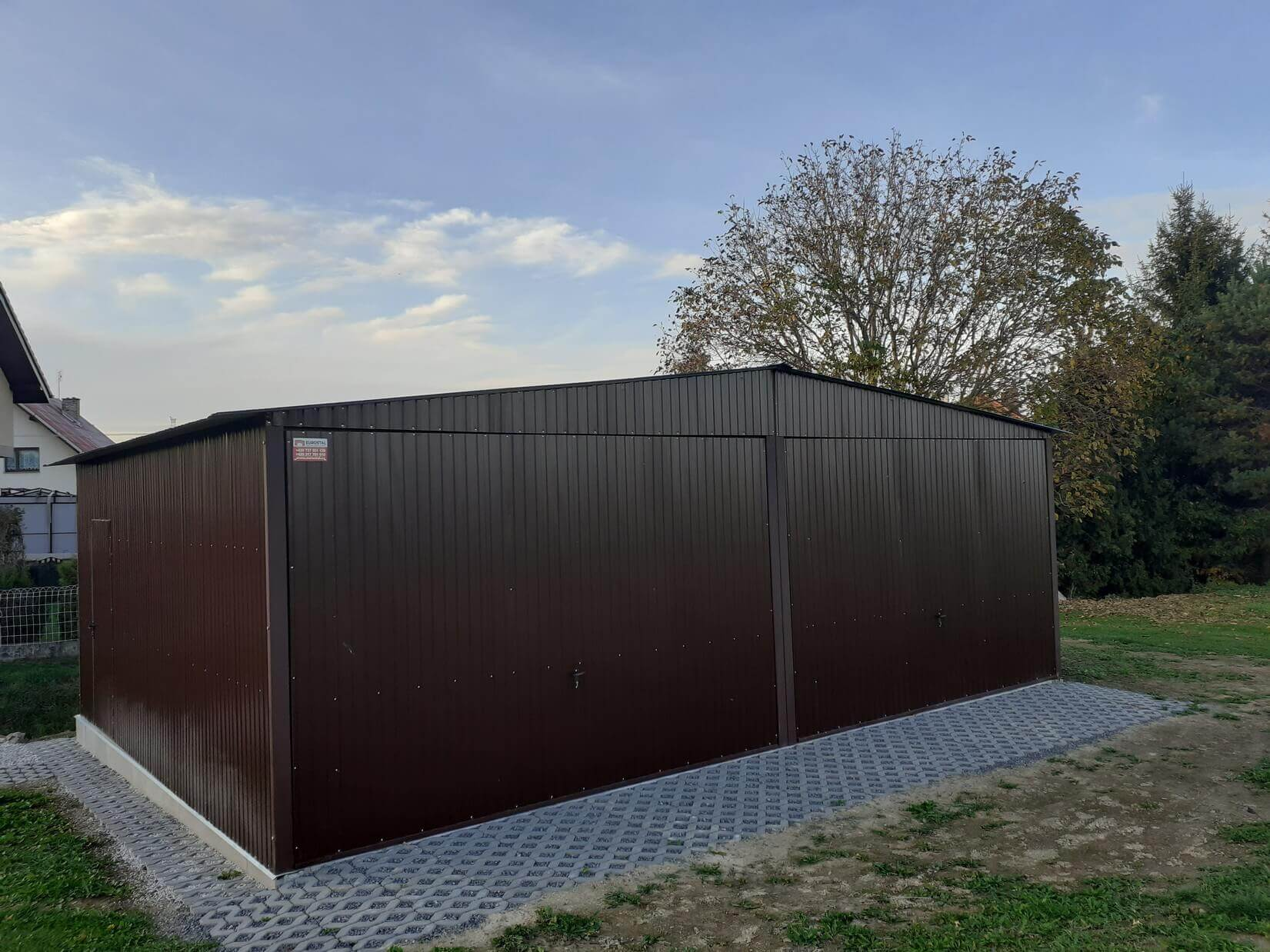 Plechová garáž 7x5 sedlová strecha RAL8017
