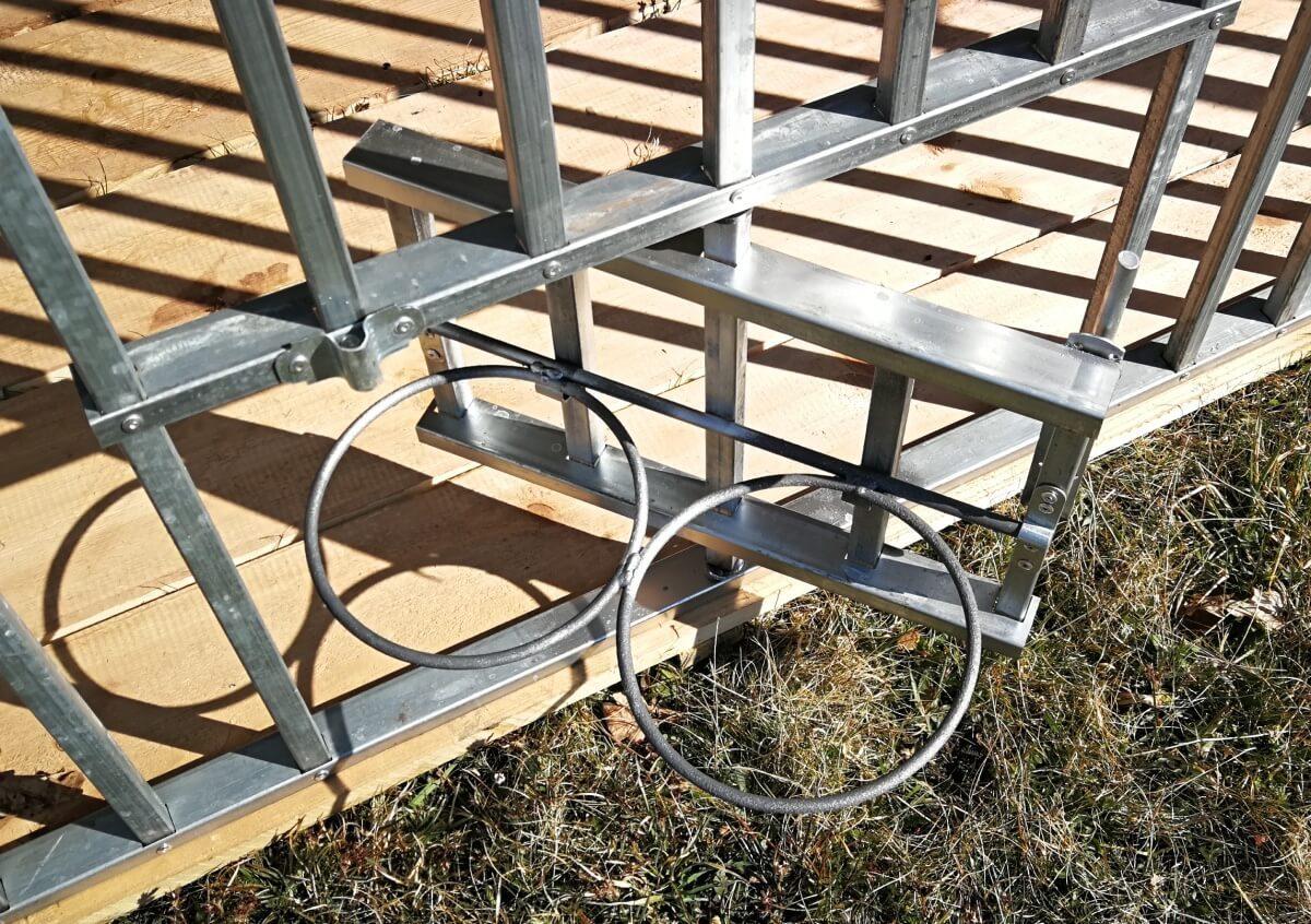 Kutyakennel-3x2m-Kifordítható-két-tálas-etetőnyílás